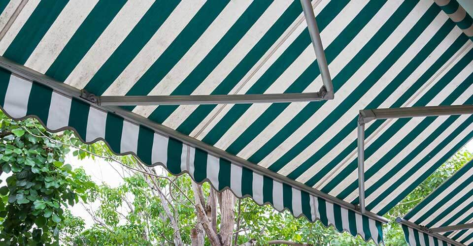 Retractable-Awnings.jpg